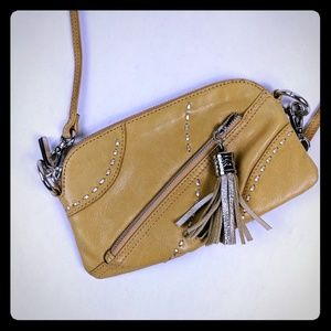 Blond leather clutch with shoulder strap